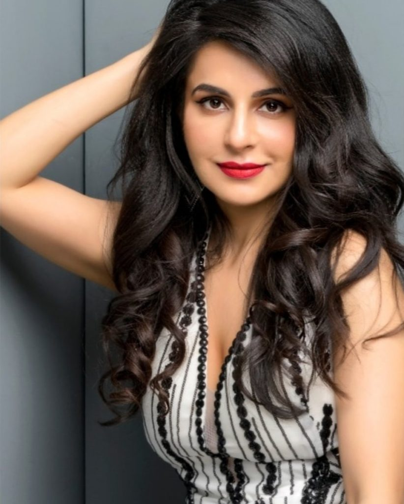 Roop Durgapal HD Sexy Photoshoot