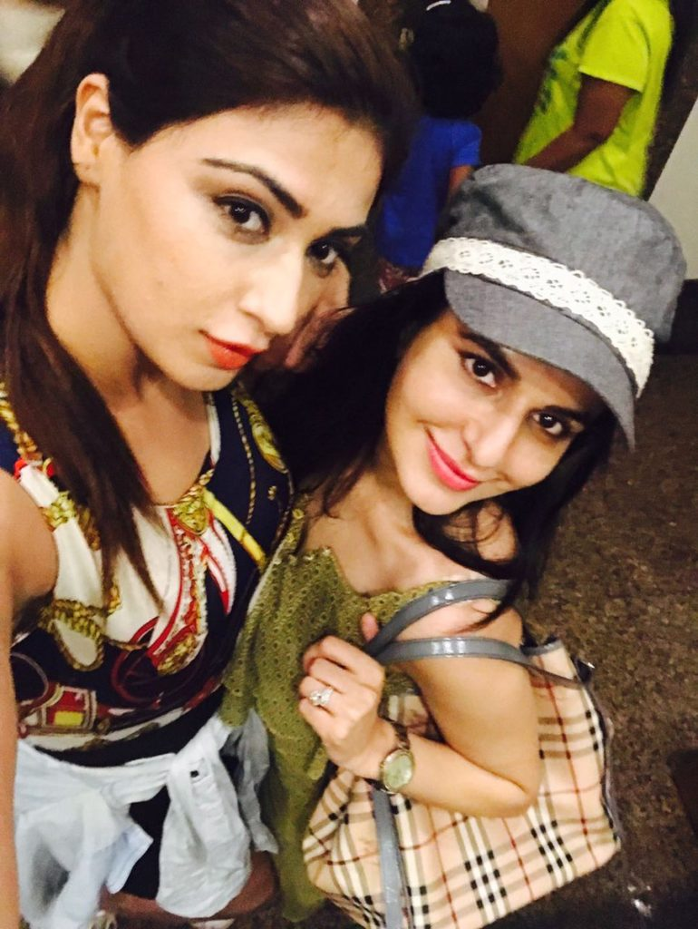 Roop Durgapal Images With Friend