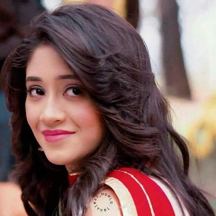 Shivangi Joshi Hot HD Pictures
