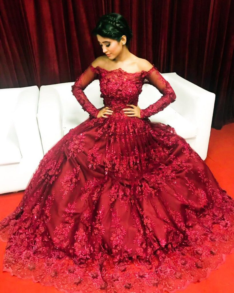 Shivangi Joshi Spicy Pictures In Gown