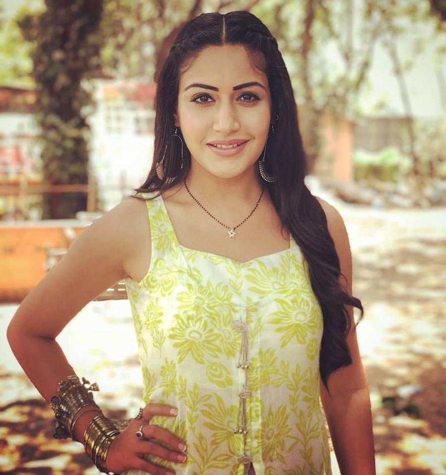 Surbhi Chandna HD Pictures Free Download