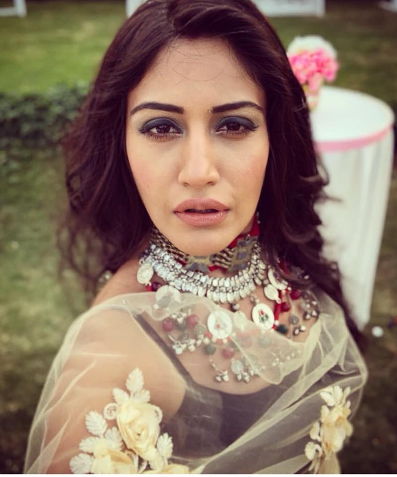 Surbhi Chandna Sexy Wallpapers