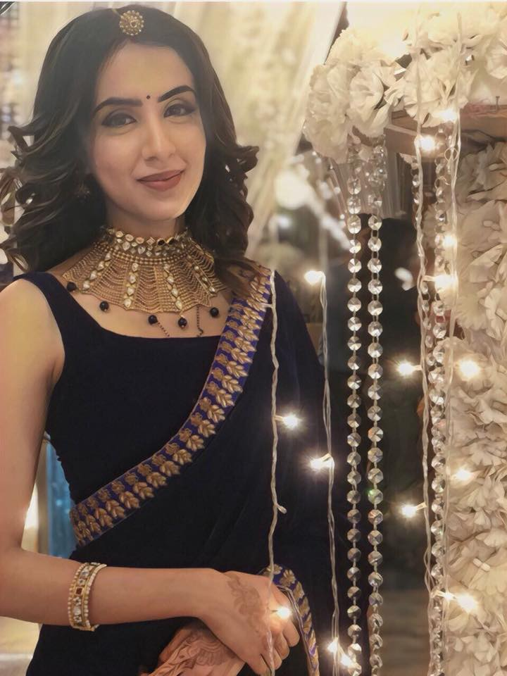 Swati Kapoor Full HD Pics In Saree