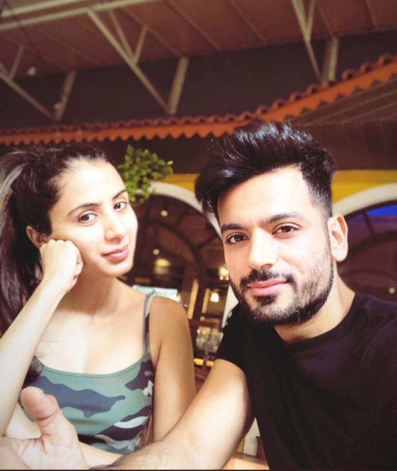 Swati Kapoor Full HD Pics With Boyfriend