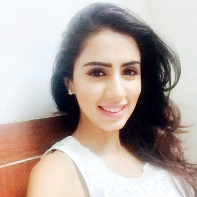 Swati Kapoor Sexy Eyes Selfie HD Pictures