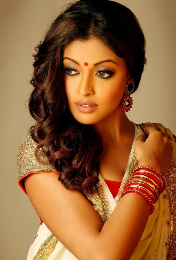 Tanushree Dutta Hot & Sexy Pictures In Saree