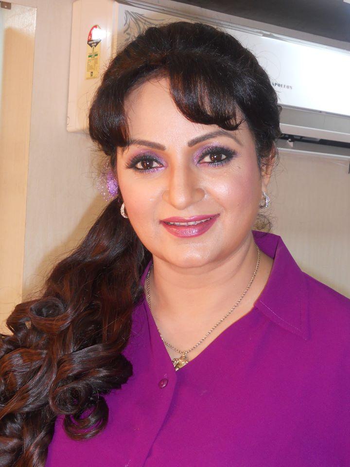 Upasana Singh Full HD Images Photoshoot