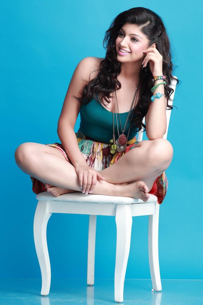 Akanksha Puri Hot Images In Short Clothes