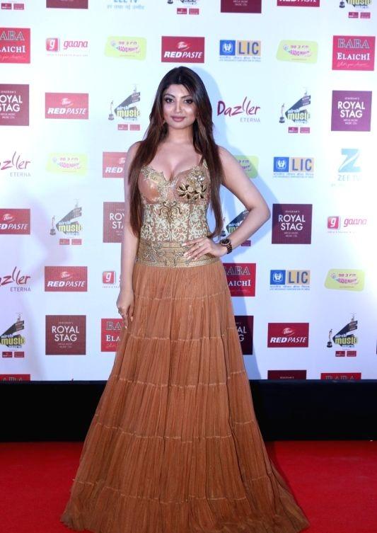 Akanksha Puri Hot & Sexy Images