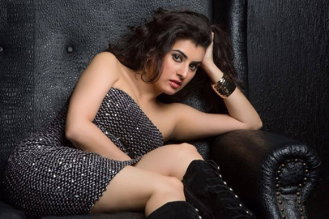 Archana Sexy Legs Images Download