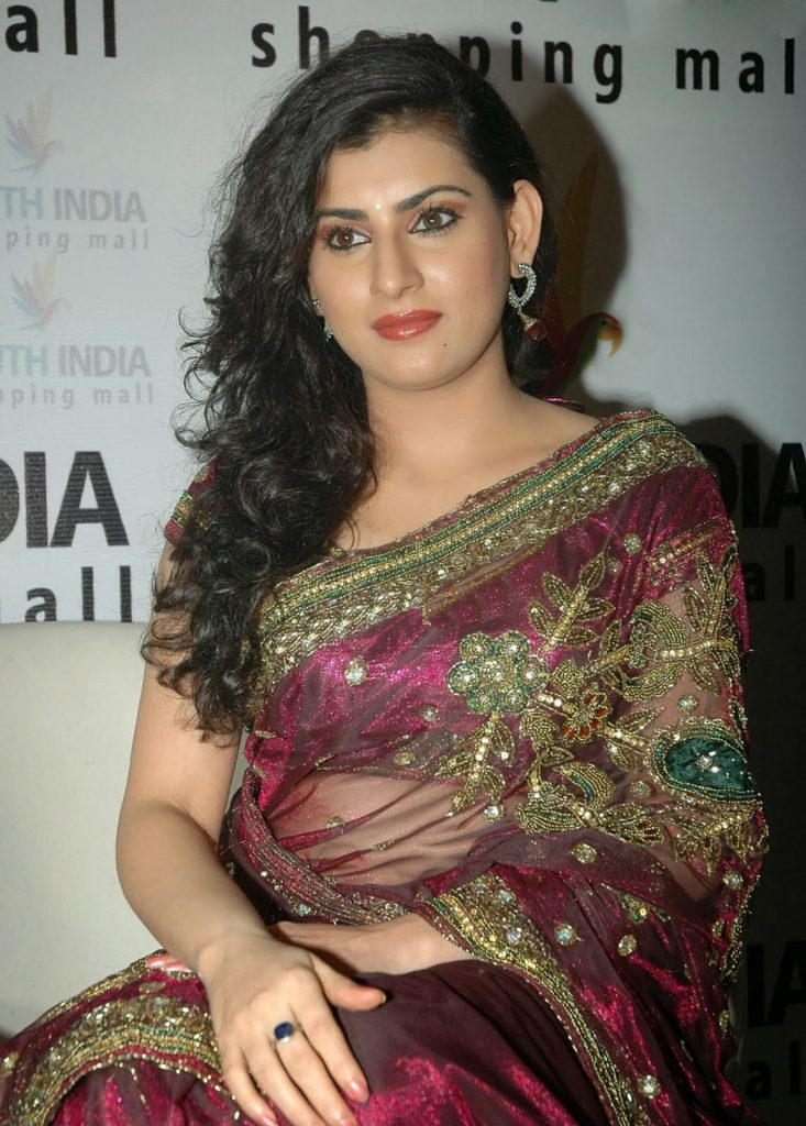 Archana Spicy Navel Images In Saree
