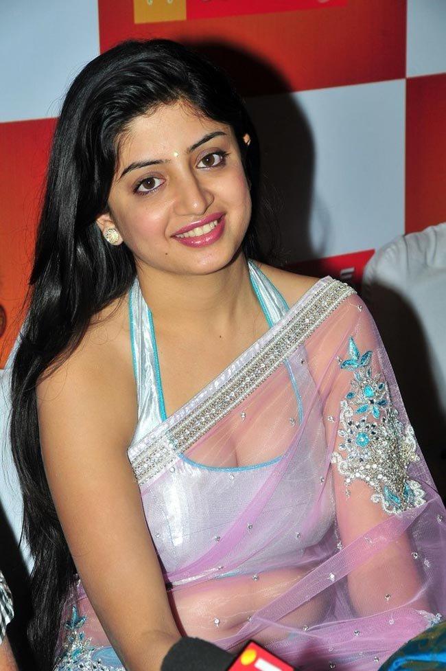 Beautiful Poonam Kaur Hot Pictures Gallery