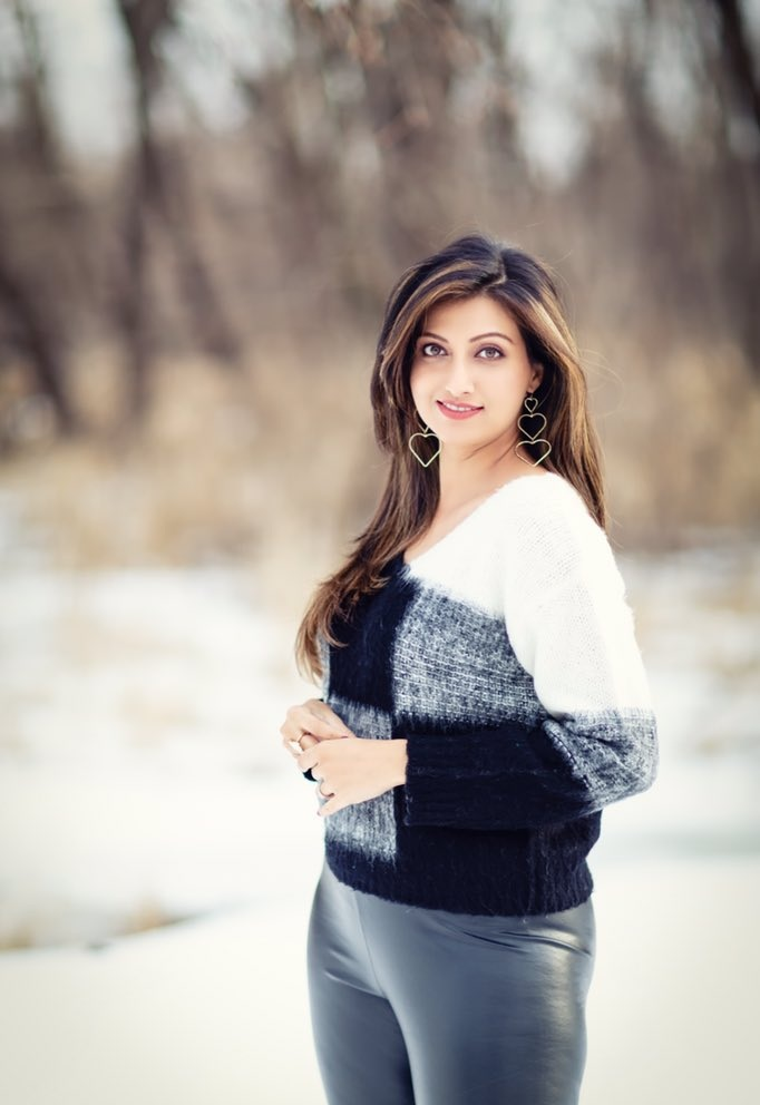 Hamsa Nandini Hot Images In Jeans Clothes