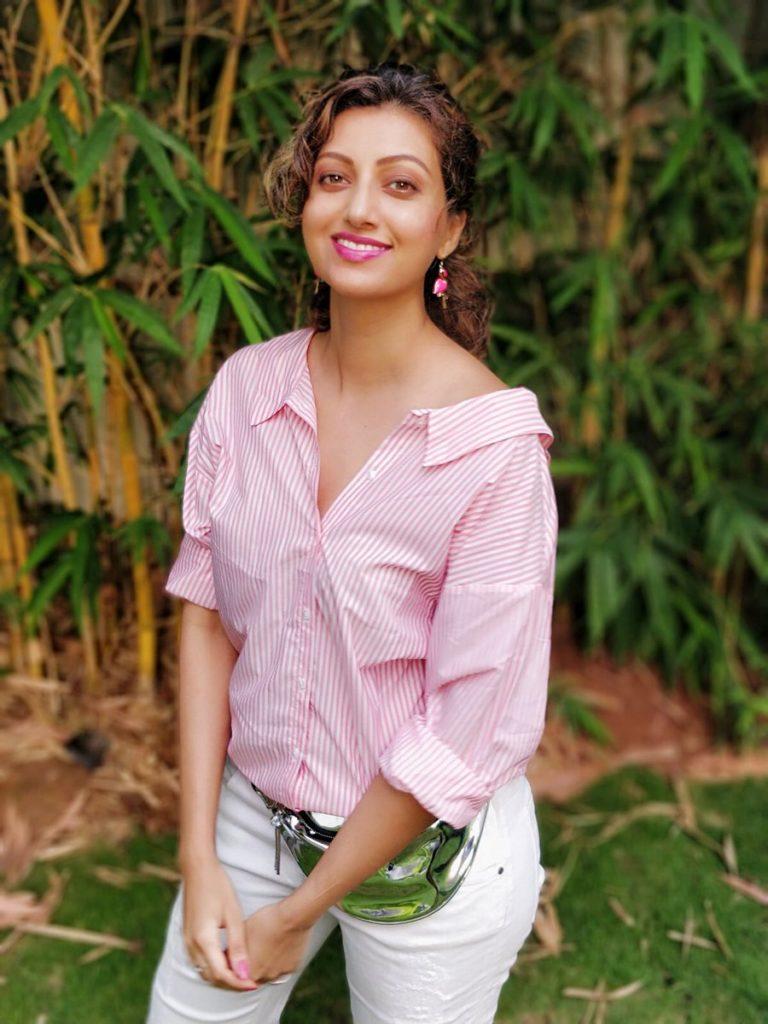 Hamsa Nandini Sexy Pics