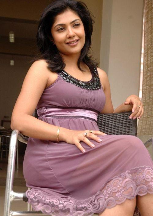 Kamalinee Mukherjee Hot HD Photoshoot Gallery