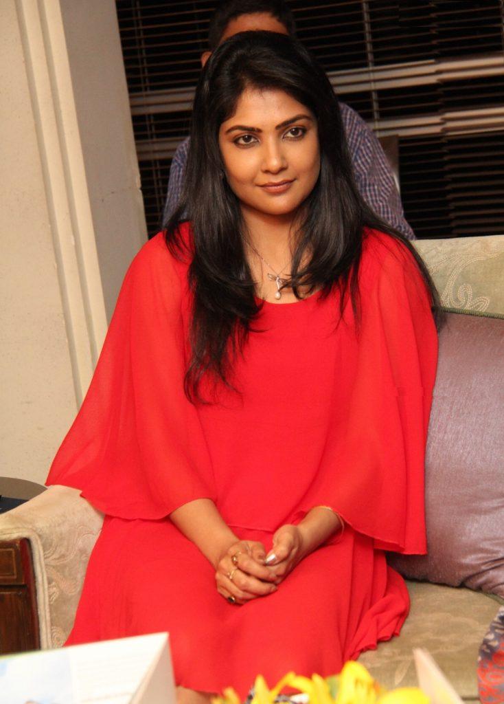 Kamalinee Mukherjee Pictures