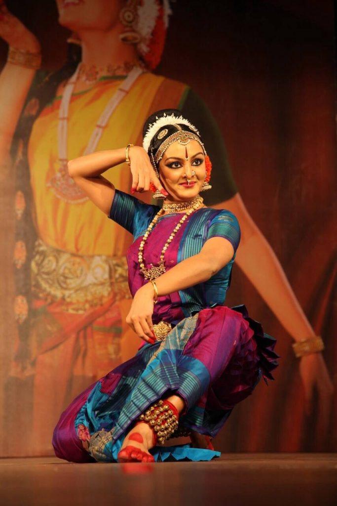 Manju Warrier Hot Dancing Images Download