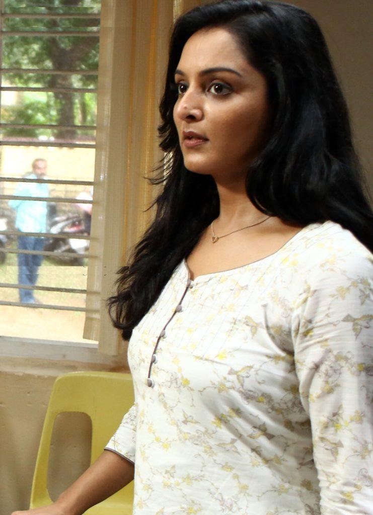 Manju Warrier Latest Full HD Images