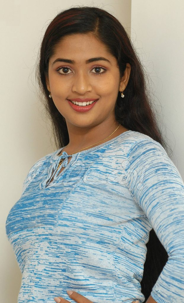 Navya Nair Hot & Sexy Images