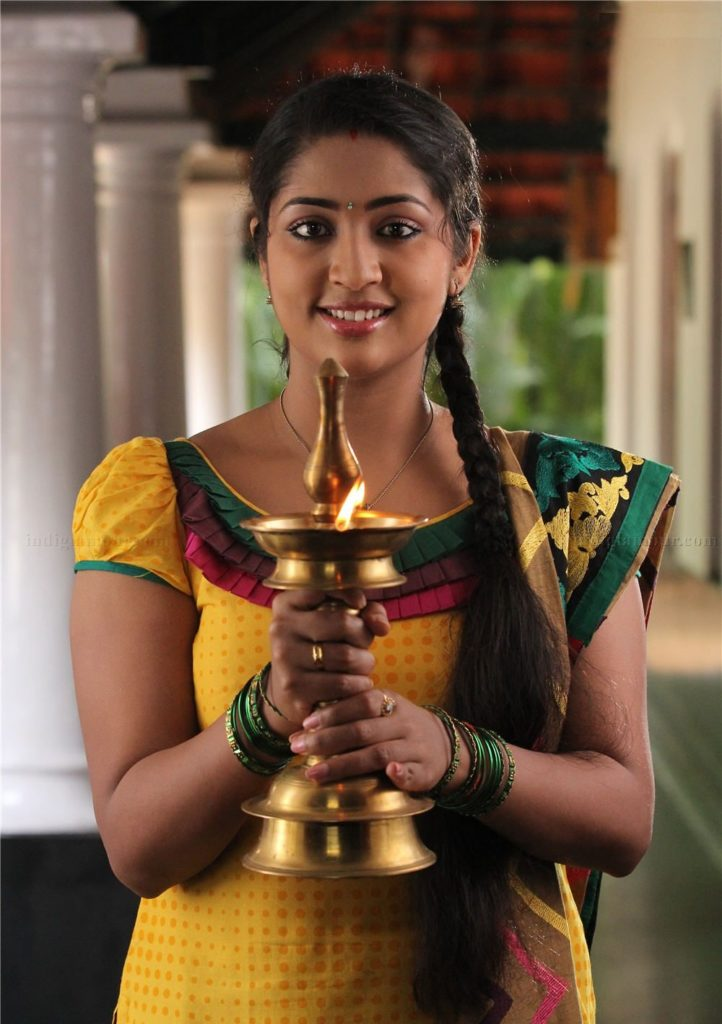 Navya Nair Wallpapers