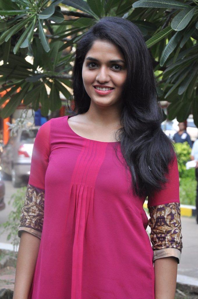 Sunaina Cute Images
