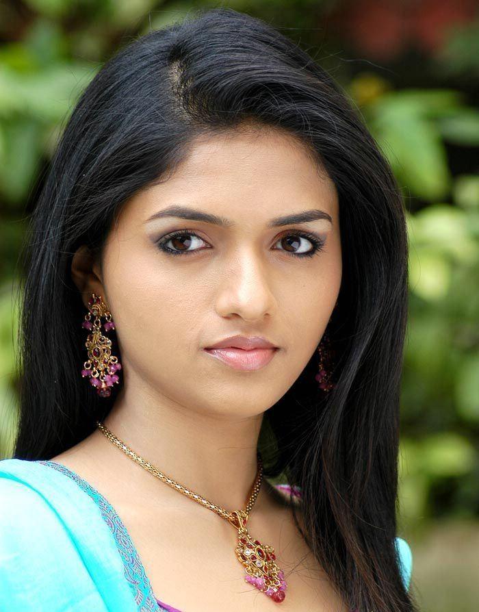 Sunaina Cute Images Download
