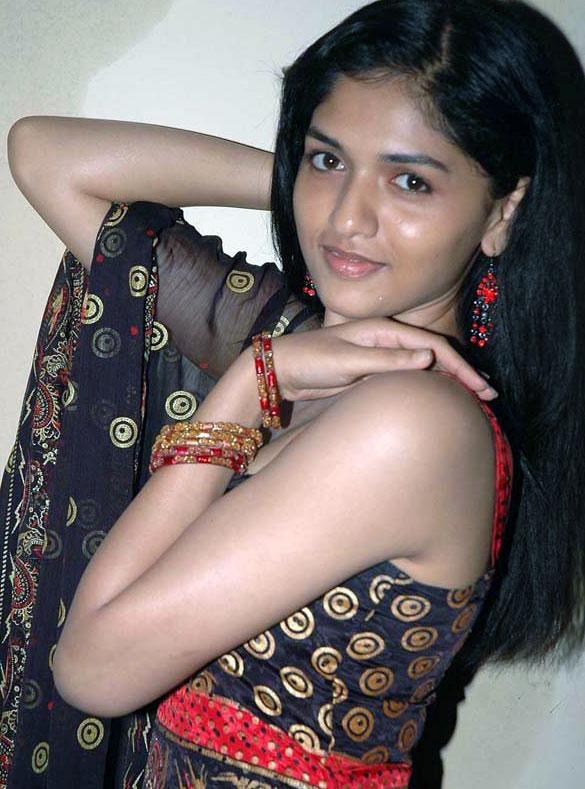 Sunaina Hot