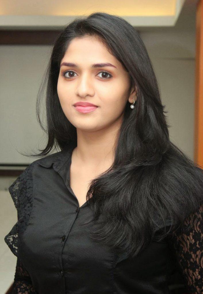 Sunaina New Hair Style Images