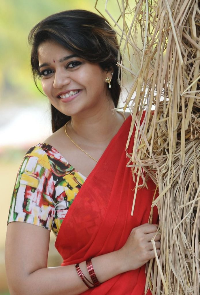 Swathi Reddy Bold Unseen Pics In Saree