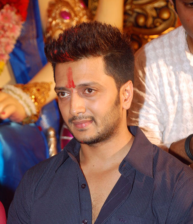 Bollywood-Star-Riteish-Deshmukh-Hot-Images-Pictures-Download