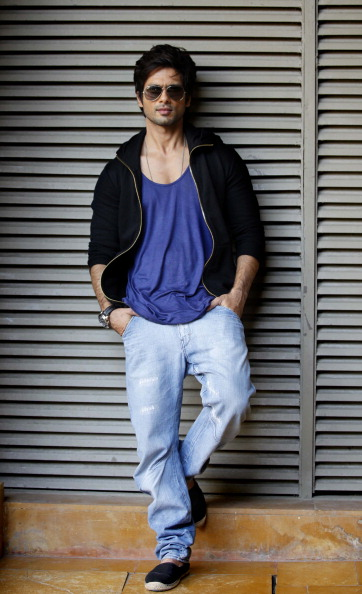 Bollywood Star Shahid Kapoor Hot Photos Pictures Download