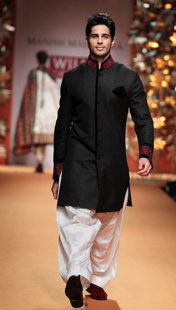 Bollywood-Superstar-Sidharth-Malhotra-Hot-Photos-Download