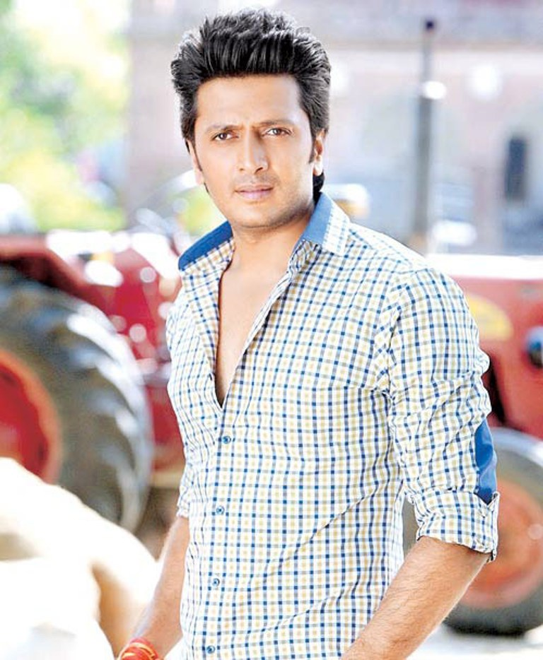 Riteish-Deshmukh-Body-Images-Pictures-HD
