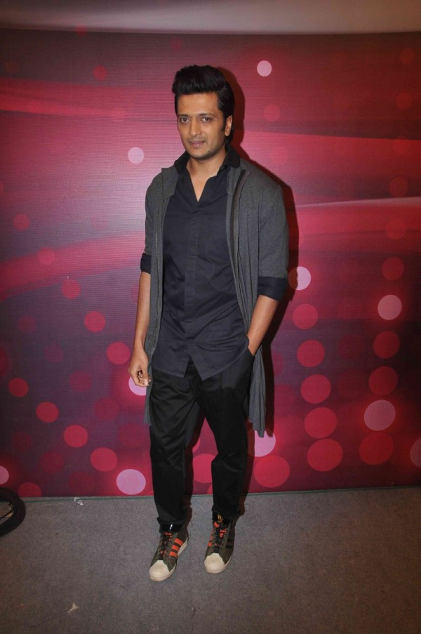 Riteish-Deshmukh-Cute-Sexy-Looking-Images-Photos
