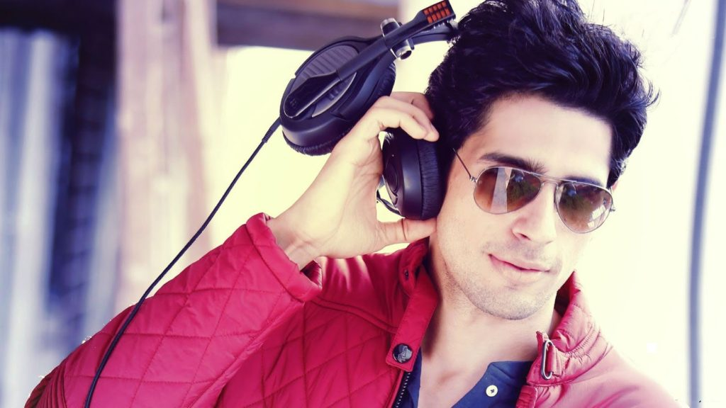 Sidharth-Malhotra-Sexy-Look-Photos