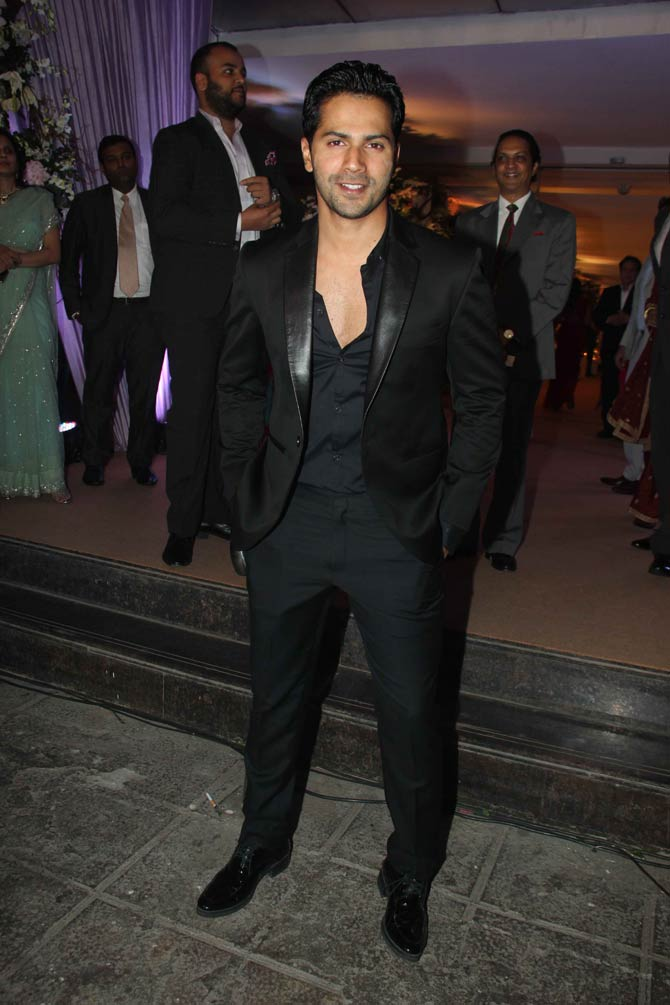 Varun Dhawan Party Look Images Wallpapers