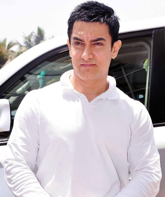 Aamir Khan Hot Looking Images Wallpapers