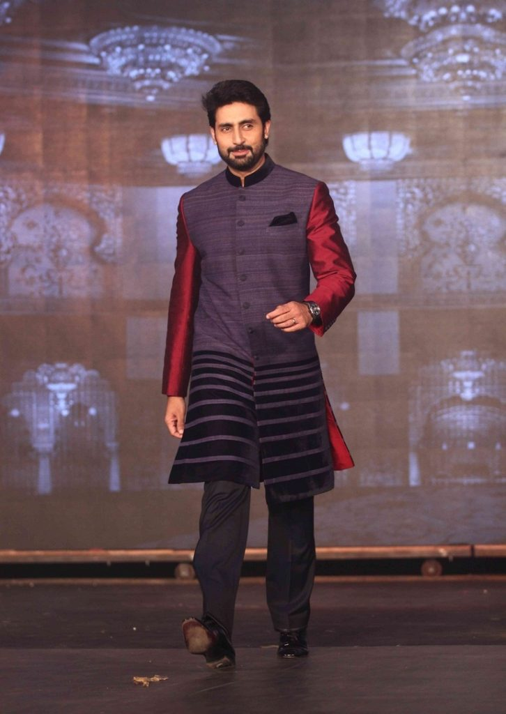 Abhishek Bachchan Hot Photos Wallpapers Pictures Download