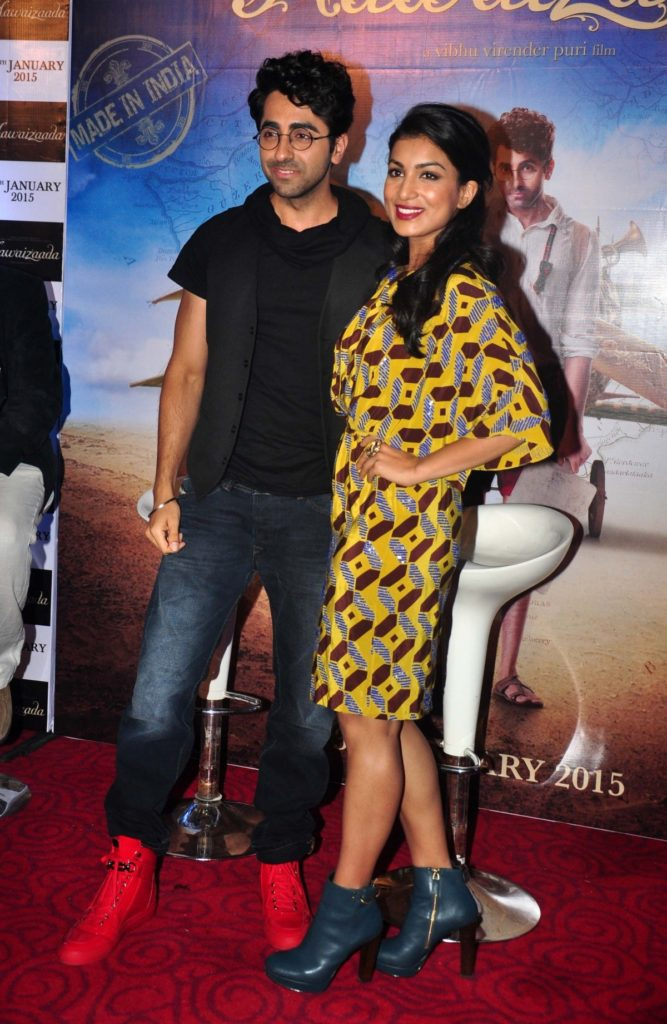 Ayushmann Khurrana With Pallavi Sharda Cute & Sexy Looking Pictures Images