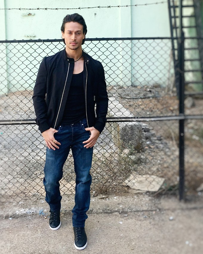 Bollywood Star Tiger Shroff New Hot Wallpapers Pictures Download
