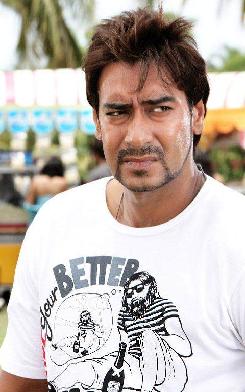 Download Latest Full HD Ajay Devgan Images Pictures