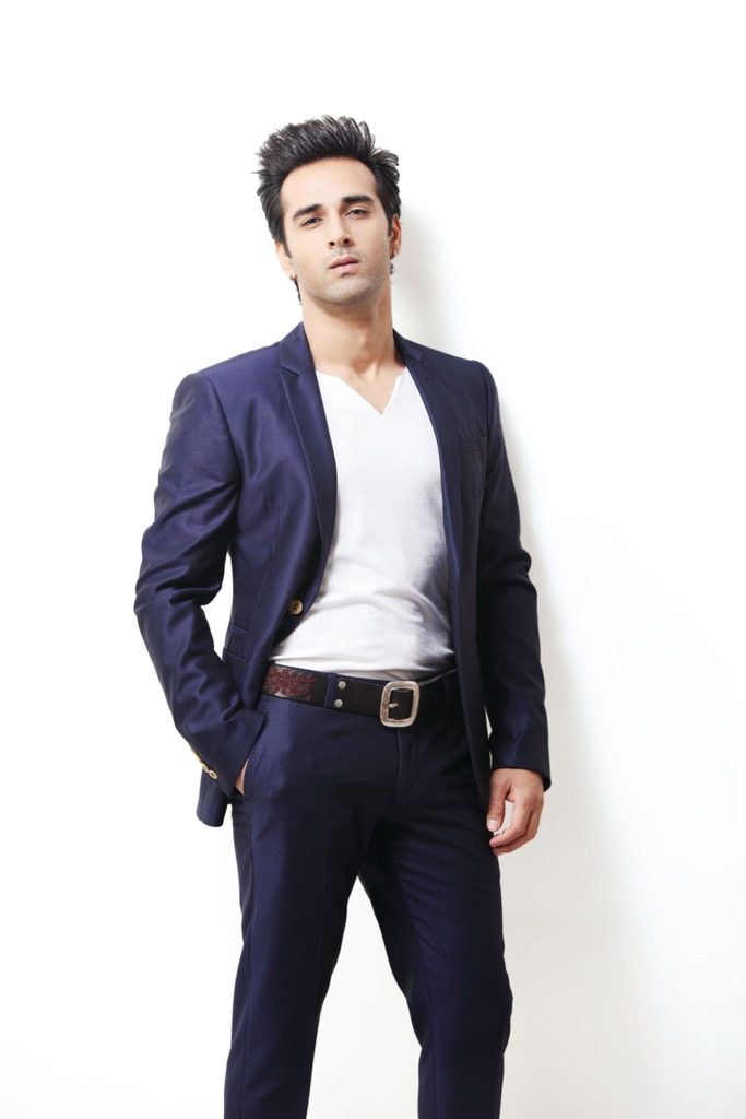 Download Latest Full HD Pulkit Samrat Pics Pictures