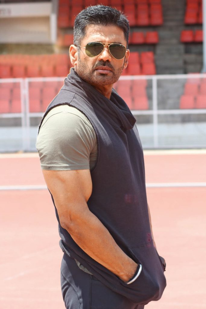 Download Latest Full Suniel Shetty HD Images Pictures