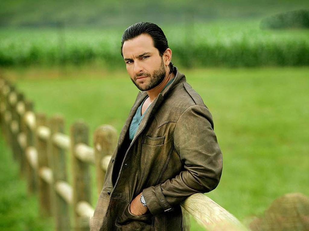 Saif Ali Khan Hot & Sexy Look Images Wallpapers