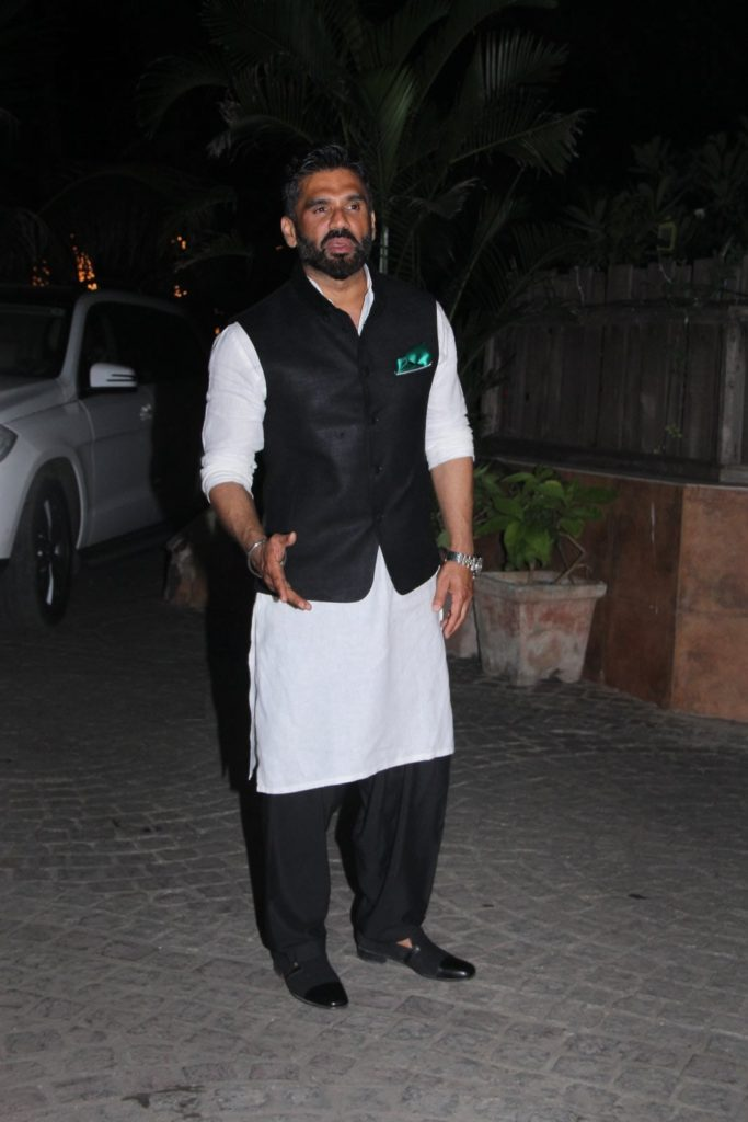 Sweet Suniel Shetty Beautiful Pics Pictures