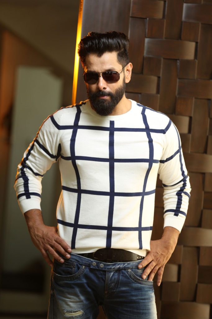 Vikram New Hair Style Hot HD Images