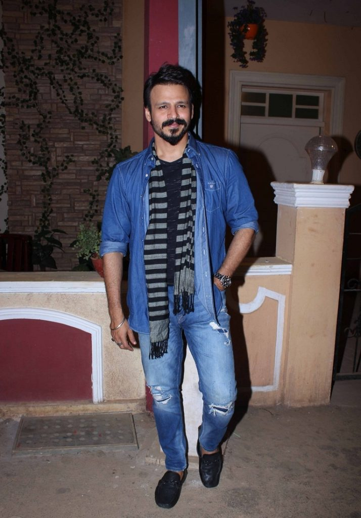 Vivek Oberoi Beautiful Smile Pics Wallpapers