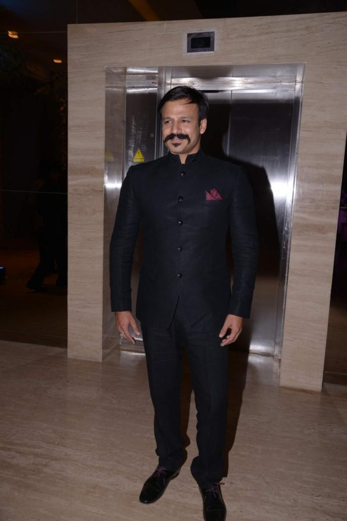 Vivek Oberoi Hot Wallpapers Pics Pictures Images Photos Download