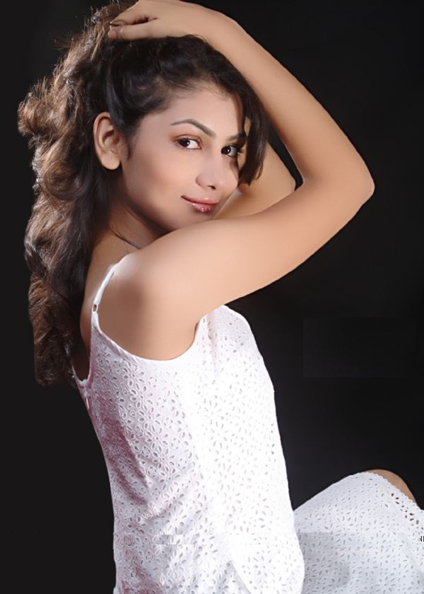Beautiful Tv Actress Sriti Jha Hot Images
