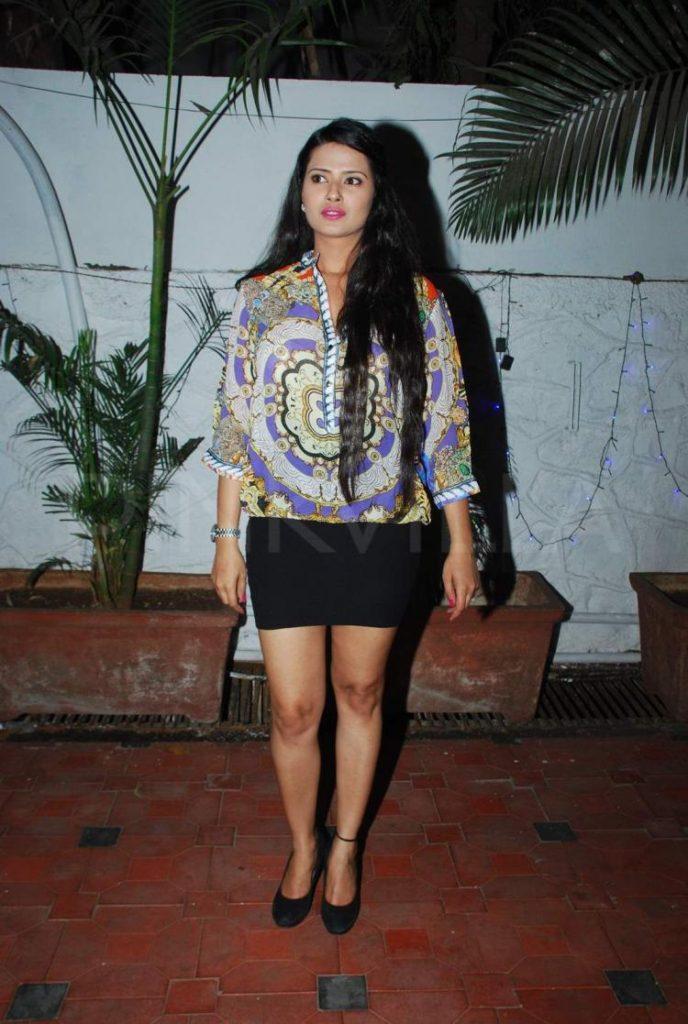 Kratika Sengar Beautiful Smile Pictures